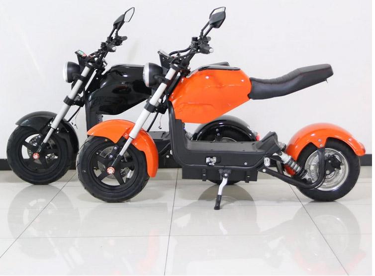 hlektriko scooter 2 theseon me dynath mpataria megalh aytonomia